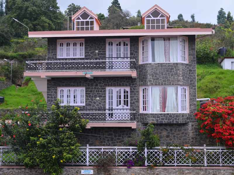 hotel rooms available in kodaikanal title=